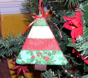 meemeecyn-tree-ornament
